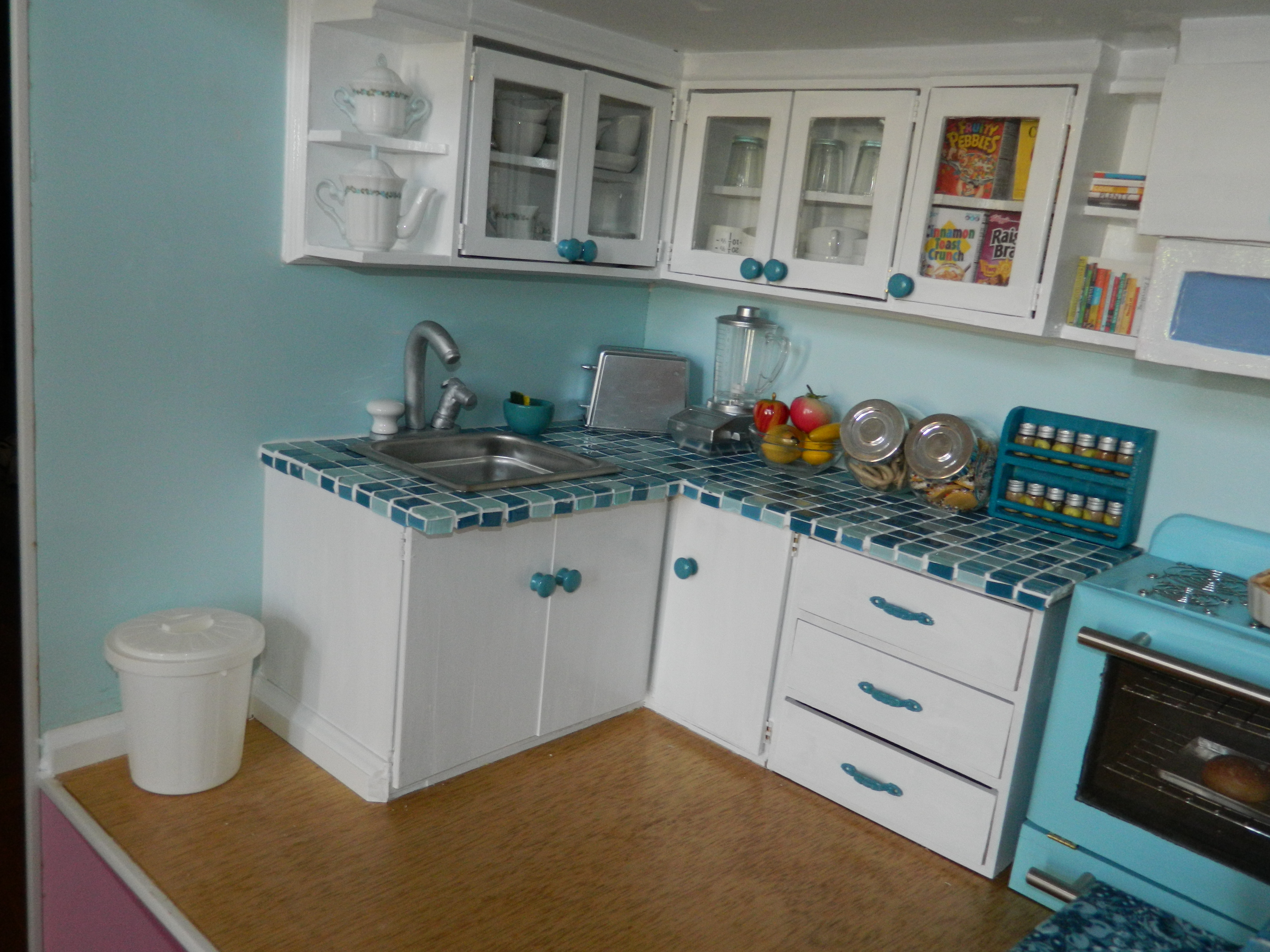 Yay i ve sold the dollhouse on my creative side for Life size kitchen set